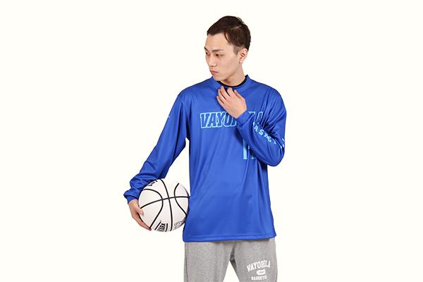 練習中には薄手のバスケットボールウェア